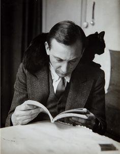 Self-portrait with chat noir, 1925-35, André Kértesz