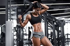 Fitness sexy woman showing abs and flat belly beautiful muscular Fitness Workouts, Cardio Gym, Bodybuilder, Best Ab Machine, Pilates, Se Lever, Fit Women, Sexy Women, Modelos Fitness