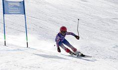 El Día Mundial de la Nieve en Sierra Nevada Ayer con un sol esplendido y mas pistas abiertas se celebro el Día Mundial de la Nieve en la estación de esquí de Sierra Nevada. El día fue dedicado a los niños