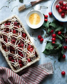 22 intricate lattice pie designs