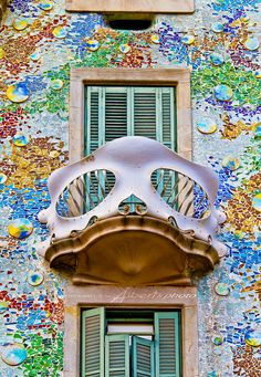 https://flic.kr/p/caDkrL | Casa Batllo | The building looks very remarkable — like everything Gaudí designed, only identifiable as Modernisme or Art Nouveau in the broadest sense. The ground floor, in particular, is rather astonishing with tracery, irregular oval windows and flowing sculpted stone work.