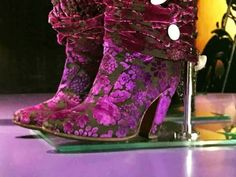 Guess who's boots? Prince Shoes, Prince Outfits, Paisley Park, Purple Shoes, Prince Rogers Nelson, Purple Reign, Unique Shoes, All Things Purple, Purple Fashion