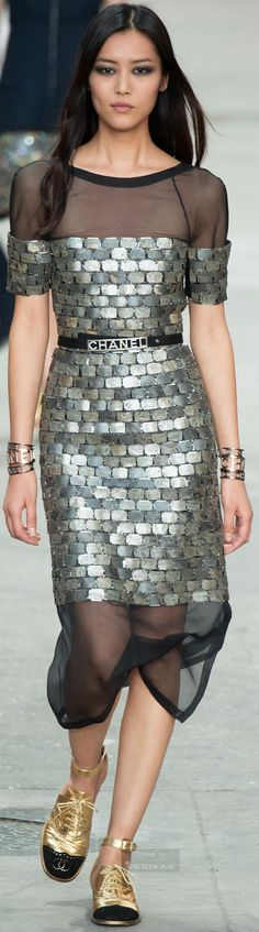 Chanel.Spring 2015. Hate the shoes and belt--distracting and gauche. But this dress...bump the inner hemline up just a tad, put some fantastic strappy stilettos and you're working with somethin...