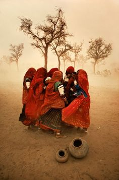 View Dust Storm, Rajasthan, India by Steve McCurry at Sundaram Tagore Gallery in Hong Kong. Discover more artworks by Steve McCurry on Ocula now. We Are The World, People Of The World, Magnum Photos, Exposition Photo, Foto Poster, Afghan Girl, Dust Storm, Jaisalmer, World Cultures