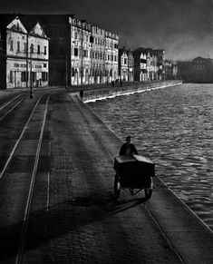 Fan Ho: finding love and light in Hong Kong – in pictures As Evening Hurries By, 1955 (Article on the Hong Kong street photography of Fan Ho--astounding use of light. Photography Essentials, City Photography, Vintage Photography, Landscape Photography, Social Photography, Fashion Photography, Photography Composition, Photography Series, Wedding Photography