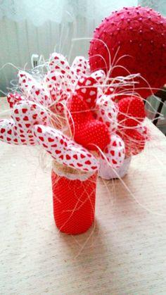 kytička zo srdiečok na Valentína Raspberry, Strawberry, Fruit, The Fruit, Strawberries, Raspberries