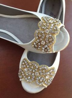 3844f3a472b 30 Wedding Flats For Comfortable Wedding Party