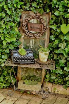 When you are about to decorate your outdoor garden, you should have a look at the bohemian garden theme. Bohemian garden décor ideas are not only Garden Junk, Garden Art, Rustic Gardens, Outdoor Gardens, Vintage Gardening, Garden Images, Farmhouse Style Decorating, Plantar, Diy Garden Decor