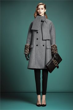 Gucci - Pre-Fall 2013 2014 - Shows - Vogue. Fashion Week, Love Fashion, Fashion Show, Womens Fashion, Review Fashion, Runway Fashion, Latest Fashion, Style Fashion, Fashion Trends