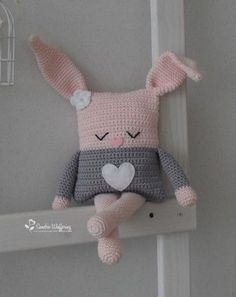 Crochet pillow animal fresh made by sandra haken mrsbroos com mrs broos kissen Crochet Pillow Pattern, Crochet Cushions, Crochet Toys Patterns, Amigurumi Patterns, Stuffed Toys Patterns, Crochet Diy, Easter Crochet, Crochet Bunny, Crochet For Kids