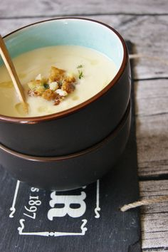 Celeriac soup with herb crutons by/ en.myfoodpassion.net