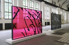 KAWS Presents New Works at Giswil's More Gallery – En Güncel Araba Resimleri Exhibition Stand Design, Installation Art, Fashion Installation, Retail Design, Store Design, Art Direction, Sculpture Art, Design Art, Glass Design