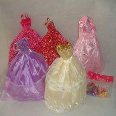MagiDeal 5pcs Cultivadas Y 10 Pares De Zapatos Barbie Para Muñecas Barbie Radom Color / Estilo