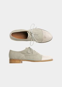 {canvas derby} would look sweet with a summer frock Sock Shoes, Men's Shoes, Shoe Boots, Crazy Shoes, Me Too Shoes, Brogues, Loafers, Look Fashion, Fashion News