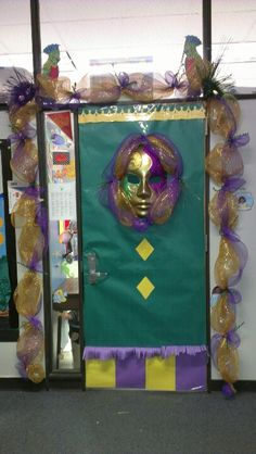 Door decoration for mardi gras that I did for a teacher friend.Fun!