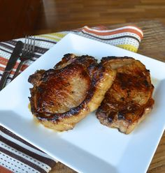 Asian Pan Seared Pork Chops - the best pork chop recipe we've got, yet it's so simple and delicious. Dinner will be ready under 30-minute - THE WOKS OF LIFE #PanSearedPorkChop