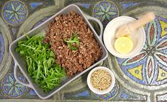 Salát z divoké rýže Clean Eating, Healthy Eating, Grains, Vegan, Recipes, Food, Healthy Crock Pot Meals, Eating Healthy, Healthy Nutrition