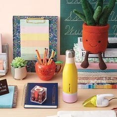 Looking for a unique gift that will make your loved ones swoon? Paper Source has you covered with branches of gift ideas for everyone within any budget! Teacher Appreciation Week, Teacher Gifts, Cool Gifts, Unique Gifts, Paper Store, Stationery Store, Christmas Holidays, Something To Do, Birthday Gifts