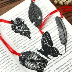 Cheap metal bookmark, Buy Quality bookmarks for books directly from China feather metal bookmark Suppliers: DIY Cute Kawaii Black Butterfly Feather Metal Bookmark for Book Paper Creative Items Lovely Korean Stationery Gift Package Bookmarks For Books, Diy Bookmarks, Diy Kawaii, Stylo 3d, Diy Vintage, Korean Stationery, Notebook Stationery, Metal Pen, Book Markers