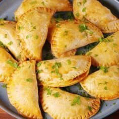 Cheesy Beef Empanadas Are The Perfect Excuse To Eat With Your Hands Seafood Recipes, Gourmet Recipes, Mexican Food Recipes, Appetizer Recipes, Cooking Recipes, Appetizers, Cooking Fish, Cooking Bacon, Cooking Games