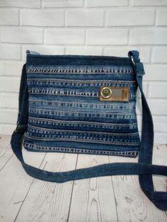 Denim Bags From Jeans, Artisanats Denim, Denim Tote Bags, Denim Purse, Blue Jean Purses, Denim Crafts, Craft Bags, Handmade Bags, Totes