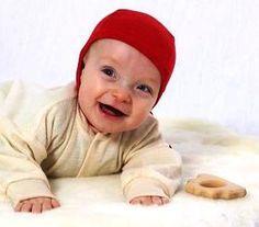 Cosilana Häubchen in Rot in der Bio-Babywelt