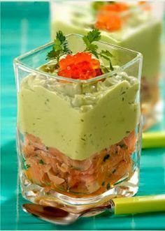 Salmon y Guacamole Appetizers For Party, Appetizer Recipes, Mini Foods, Appetisers, Mexican Food Recipes, Love Food, Guacamole, Brunch, Food Porn