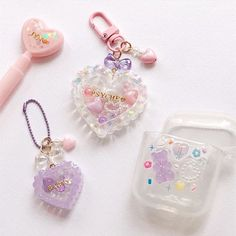 Diy Resin Art, Diy Resin Crafts, Cute Keychain, Keychains, Kawaii Jewelry, Kawaii Room, Cute Girl Wallpaper, Resin Charms, Cute Phone Cases