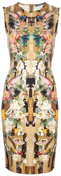 Hermoso, original, colorido... qué más le puedes pedir a este vestido??... sólo que sea tuyo http://www.miboda.tips/