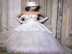 Vogue Sposa - Giugno 2013 >> una principessa con il cappello. Abito di #ElisabettaPolignano