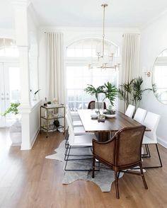 "40 Gostos, 1 Comentários - ELLE ESTe BELLE (@elleestebelle) no Instagram: ""A little colonial touch we love | Major Interiors via The Every Girl #interior #interiors…"""