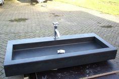 Solidus wastafel beton zwart op maat gemaakt