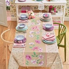 Scheme for tablecloth with cross-stitched flowers