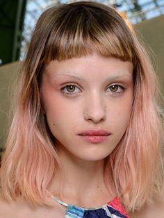 Heavy, full fringe hair looks great, especially with thick hair. Fringe Hairstyles, Hairstyles With Bangs, Cool Hairstyles, Long Wavy Hair, Scene Hair, Grunge Hair, Looks Cool, Pink Hair, Hair Looks