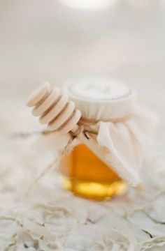 honey favours!!! http://sandyssignatures.blogspot.ca/