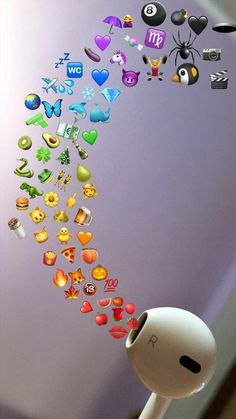 Pin by Nayllaraini_ on Wallpaper emoji in 2019 Iphone Hintegründe, Emoji Wallpaper Iphone, Cute Emoji Wallpaper, Iphone Background Wallpaper, Cute Disney Wallpaper, Iphone Backgrounds, Phone Wallpapers, Background Images, Wallpaper Samsung