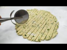 Nagyon könnyű! Készítse elő őket percek alatt! - YouTube Youtube, Dessert Recipes, Desserts, Frittata, What To Cook, Biscotti, Food To Make, Side Dishes, Appetizers