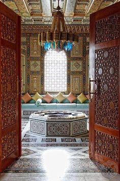 5 deco express with candles - HomeDBS Arabic Decor, Islamic Decor, Islamic Art, Moroccan Design, Moroccan Style, Religious Architecture, Art And Architecture, Home Interior Design, Interior And Exterior