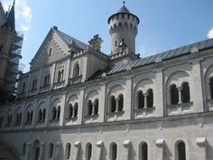 Neuschwanstein Castle - Neuschwanstein Castle - Wikimedia Commons (3072×2304)