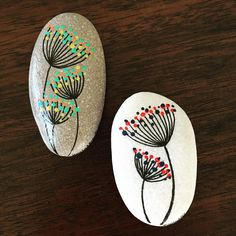 Feather Painting, Pebble Painting, Dot Painting, Pebble Art, Stone Painting, Painted Rock Cactus, Painted Rocks, Stone Crafts, Rock Crafts