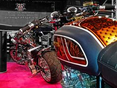 Epic Firetruck's Motor'sicles -  Aerografija.eu Custom Paintworx by Andrey C'Machoff - Riga, Latvia ~ Motorcycle Paint Jobs, Motorcycle Photography, Riga Latvia, Fire Trucks, Vehicles, Painting, Self, Painting Art, Fire Engine