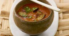 Probieren Sie die leckere Tomaten-Auberginen-Suppe von EAT SMARTER oder eines unserer anderen gesunden Rezepte!