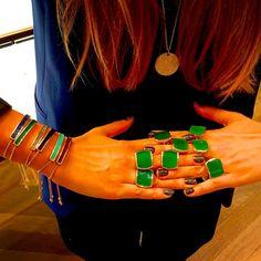 Pioggia di anelli verdi...! - Monica Vinader su Instagram