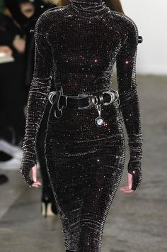"themadhatterfashionshow: "" Christopher Kane at London Fashion Week Fall 2007 "" Trend Fashion, Look Fashion, Runway Fashion, Fashion Show, Womens Fashion, Fashion Design, Fashion Spring, Party Fashion, Milan Fashion"