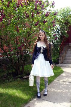 @PinFantasy - Cute Lolita outfits - Fanny Rosie Blog: Super belated Mothers day picture, at my parents