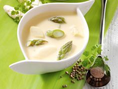 Spargelsuppe - Rezept Leckerer Suppen-Klassiker Simple and delicious - asparagus soup is a light rec Asparagus Soup, Asparagus Recipe, Gourmet Recipes, Cooking Recipes, Healthy Recipes, Casserole Recipes, Soup Recipes, Classic Soup Recipe, Dried Vegetables