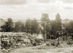 Näkymä Vilhovuorelta (Katri Valan puisto) länteen. Oikeassa reunassa taustalla häämöttää kaasulaitoksen kaasukello. Signe Brander 1911.