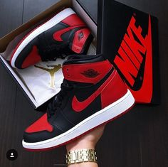 Love these nike air jordans sneakers fashion, shoes sneakers, sneaker heels Nike Air Jordans, Nike Air Shoes, Adidas Shoes, Girl Jordans, Air Jordans Women, Sneakers Mode, Sneakers Fashion, Shoes Sneakers, Jordans Sneakers