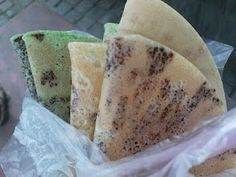 RESEP KUE LEKER Indonesian Desserts, Indonesian Food, Indonesian Recipes, Asian Snacks, Asian Desserts, Sweet Recipes, Cake Recipes, Traditional Cakes, Pancakes And Waffles