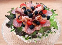 Mediterranean Sandwich Cake from Narebo Sandwhich Cake, Deli Platters, Party Platters, Sandwiches, Edible Arrangements, Savoury Cake, Sandwich Recipes, Appetizers For Party, Finger Foods